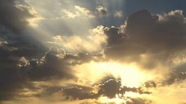 cumulus-clouds-with-sun-light-thumbnail